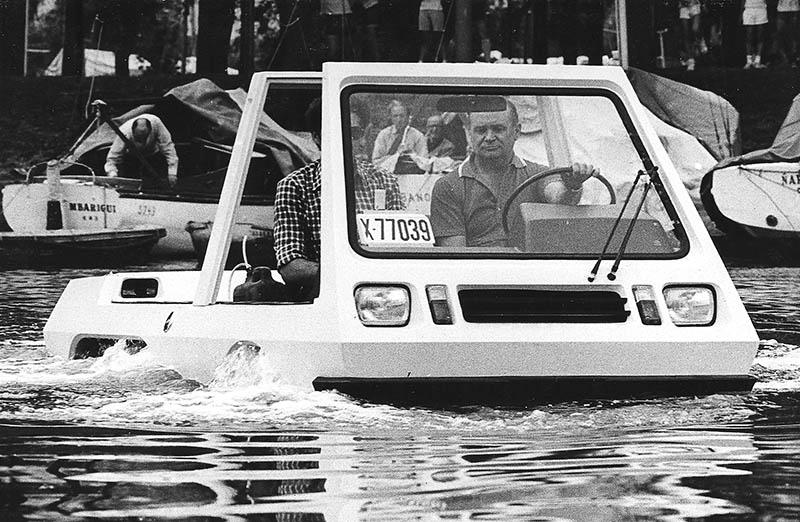 VESA, prototipo anfibio con mecánica Renault 6