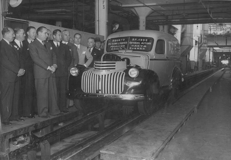 Chevrolet_Furgon_Ultima_Unidad_1942
