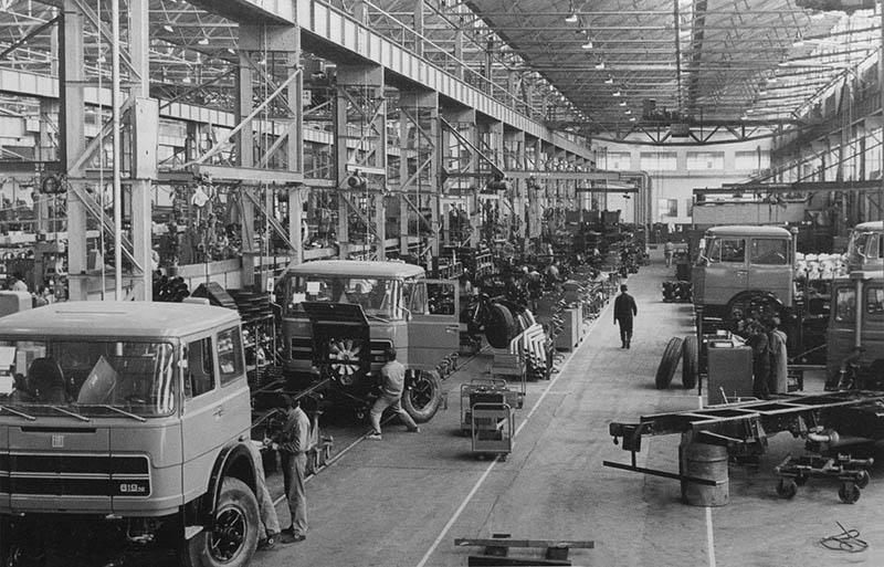 Montaje de camiones Fiat 619 N